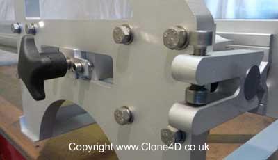 Clone 4D rail lock